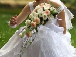 Śliczna, modna suknia ślubna, szyta na zamówienie