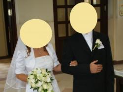 Śliczna skromna suknia ślubna + bolerko