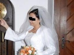 Śliczna śnieżnobiała suknia ślubna