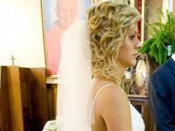 Śliczna sukienka ślubna z rozcięciem!!!!!