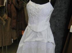 Śliczna suknia białą z Włoch rozmiar ok 37, tanio!!