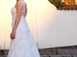 Śliczna suknia jak DEMETRIOS 9692 r. 38-40