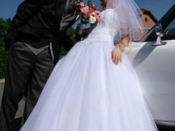 śliczna suknia marki HERMS + futerkowe bolerko i halka