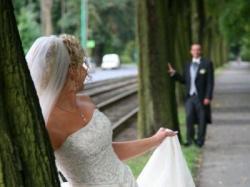 Śliczna suknia ślubna Aspera z kolekcji 08/09 z długim trenem
