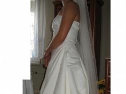 Śliczna suknia ślubna Chris'a Couture