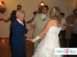 Śliczna Suknia Ślubna Ecr'u
