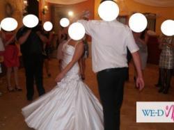 Śliczna suknia ślubna, kol. Perłowy