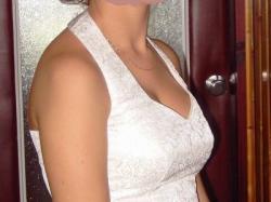 Śliczna suknia ślubna koloru ecru