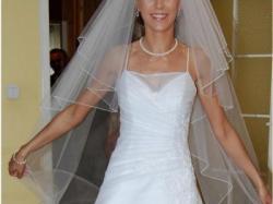 Śliczna suknia ślubna na wysoką i szczupłą osobę