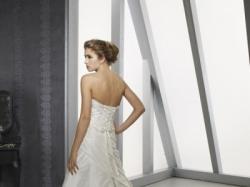 Śliczna suknia ślubna plus gratisy!
