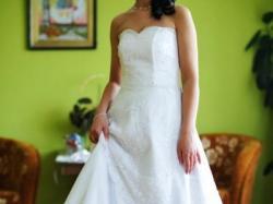 śliczna suknia ślubna (welon i bolerko gratis)