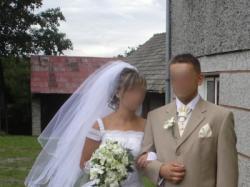 Śliczna suknia ślubna + welon + rękawiczki