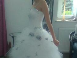 śliczna suknia ślubna z kamieniami!!!!KSIĘŻNICZKA