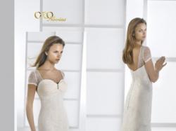 Śliczna suknia ślubna z kolekcji Oronovias, Model: 28132