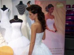 Śliczna Suknia Ślubna z kryształkami Swarovskiego