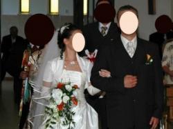 śliczna suknia ślubna z salonu wraz z kompletem dodatków