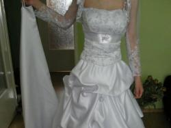 Śliczna suknia slubna z trenem za 100zł