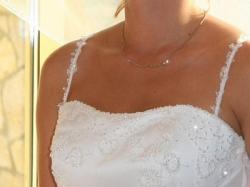 śliczna suknia z delikatnym koronkowym bolerkiem (900zł do negocjacji)