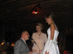 Śliczna suknie ślubna