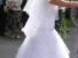 śliczna urocza suknia ślubna