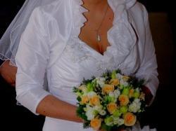 śliczna, zjawiskowa suknia ślubna