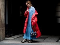 Słyszałyście, że zapowiadają mroźną zimę? Czas się do niej przygotować. Obejrzyj 14 puchowych kurtek z Mango