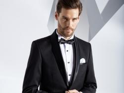Smoking garniturowy firmy Pako Lorente ! plus koszula smokingowa, biała poszetka i pokrowiec.
