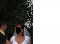 śnieżno - biała, skromna, przepiękna suknia slubna, rozmiar 40