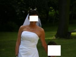 Śnieżnobiała piękna suknia ślubna (Rozm. 40-42)