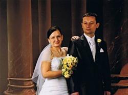 Śnieżnobiała suknia ślubna rozm 38