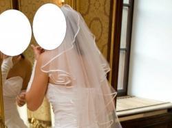 Śnieżnobiała suknia ślubna z kolekcji 2008 - salon Hermago