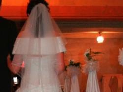 Śnieżnobiała suknie z kolekcji Herm's 2007
