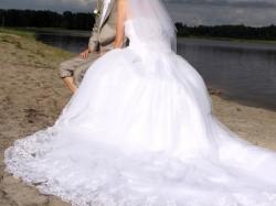 Sp0rzedam śliczna suknie ślubną r. 36-38