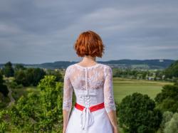 Sprzedam asymetryczną suknię ślubną Kreacja Żannet