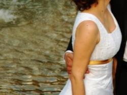 Sprzedam bardzo efektowną białą suknię ślubną