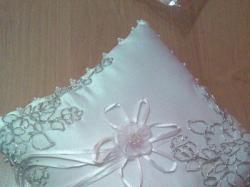 sprzedam bardzo ładną suknię ślubną z dodatkami.
