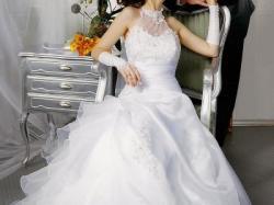 Sprzedam białą suknie ślubną na wzrost 165 cm