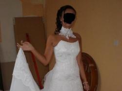 Sprzedam Białą suknię ślubną z prawdziwej francuskiej koronki rozm 34/26