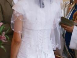 Sprzedam białą suknię z tafty