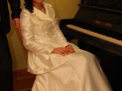 Sprzedam biały płaszczyk do ślubu