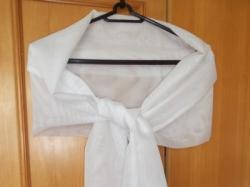 Sprzedam biały szal:)