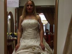 Sprzedam bogato zdobioną suknie ślubną