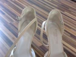 Sprzedam buty (ślubne)