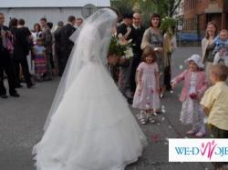 Sprzedam elegancką suknię ślubną firmy Sincerity kolekcja 2007, model 3227.