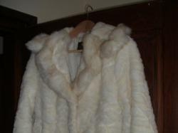 Sprzedam futerko ślubne ecru w idealnym stanie