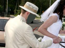 Sprzedam garnitur Marynarka + spodnie  model 2010 + kapelusz