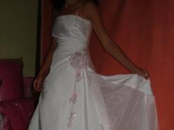 Sprzedam jednocześciowa biala suknie