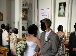 Sprzedam jednoczęściową suknie ślubną firmy cosmobella +welon+ ozdoby do włosów