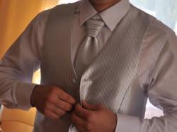 Sprzedam kamizelkę ślubną męską z krawatem