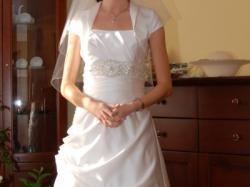 sprzedam niedrogo jednoczęściową suknie ślubną z kolekcji Ochocka